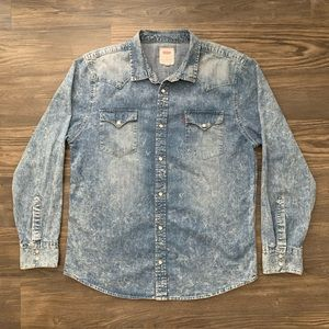Levi's Denim Long Sleeve Button Down Shirt